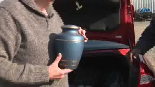 urn 121413.jpg