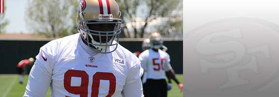 Tackle Glenn Dorsey will be one of the men on the 49ers' defensive line trying to bring down Seahawks RB Marshawn Lynch. Read bio.