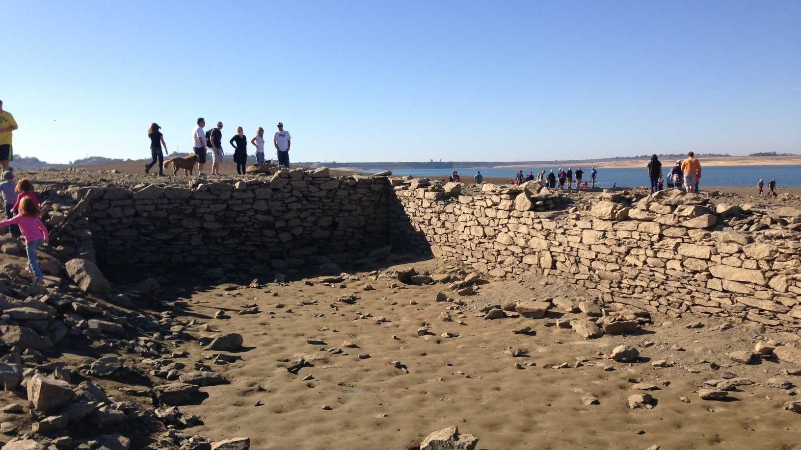 Hundreds of people headed out to Folsom Lake to see ruins from the old Mormon Island settlement.