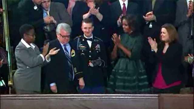 Obama salutes war hero