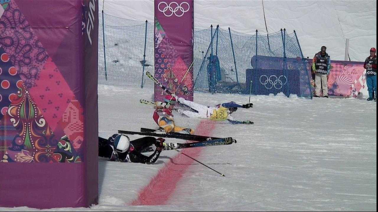 Ski cross crash