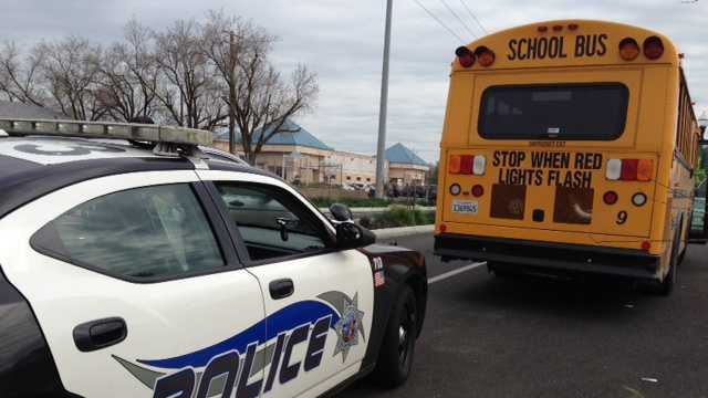 Man threatens kids at Park Apartments bus stop