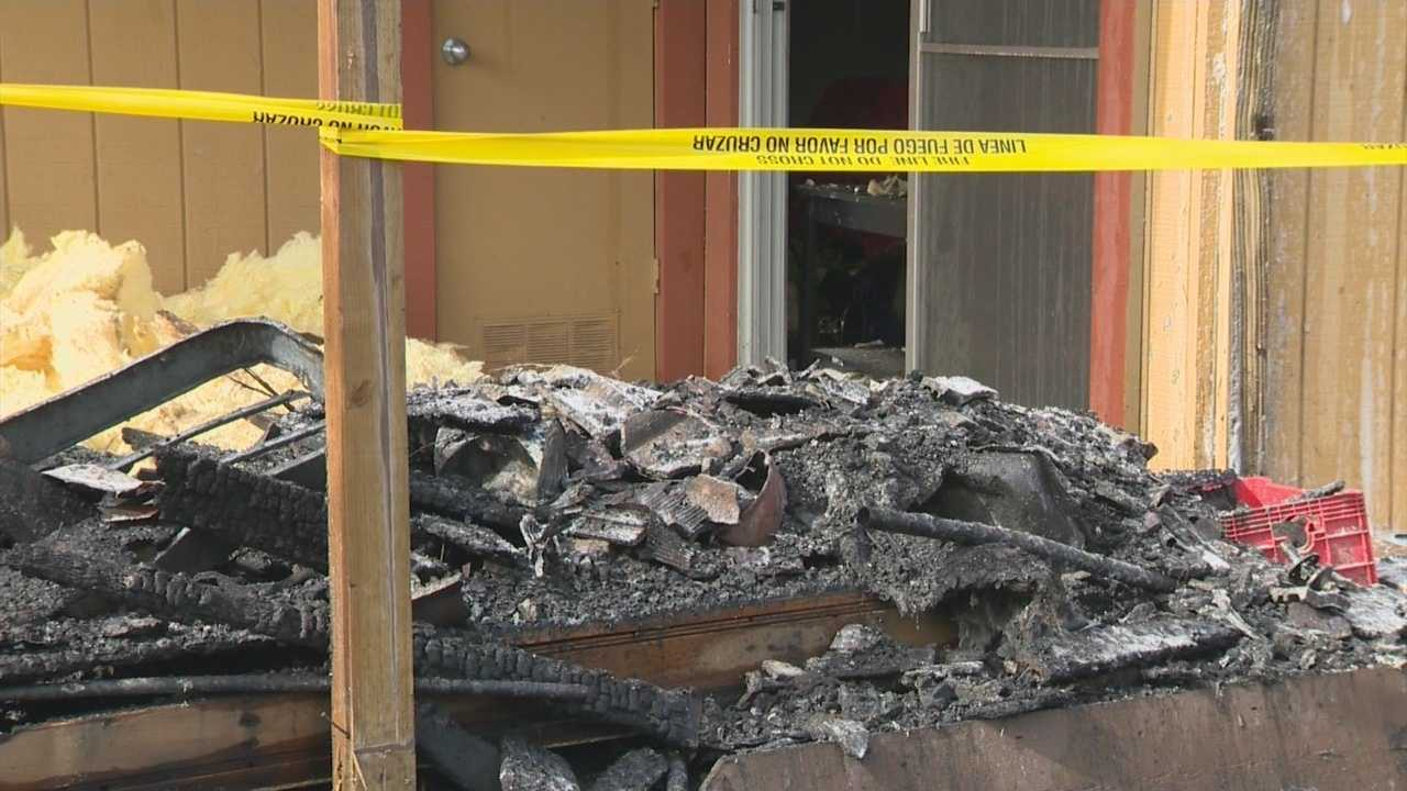 Man saves Manteca family from roaring apartment fire