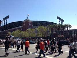 After playing their first seven games on the road, the San Francisco Giants are finally back at AT&T Park for their 2014 home opener against the Arizona Diamondbacks. (April 8, 2014)