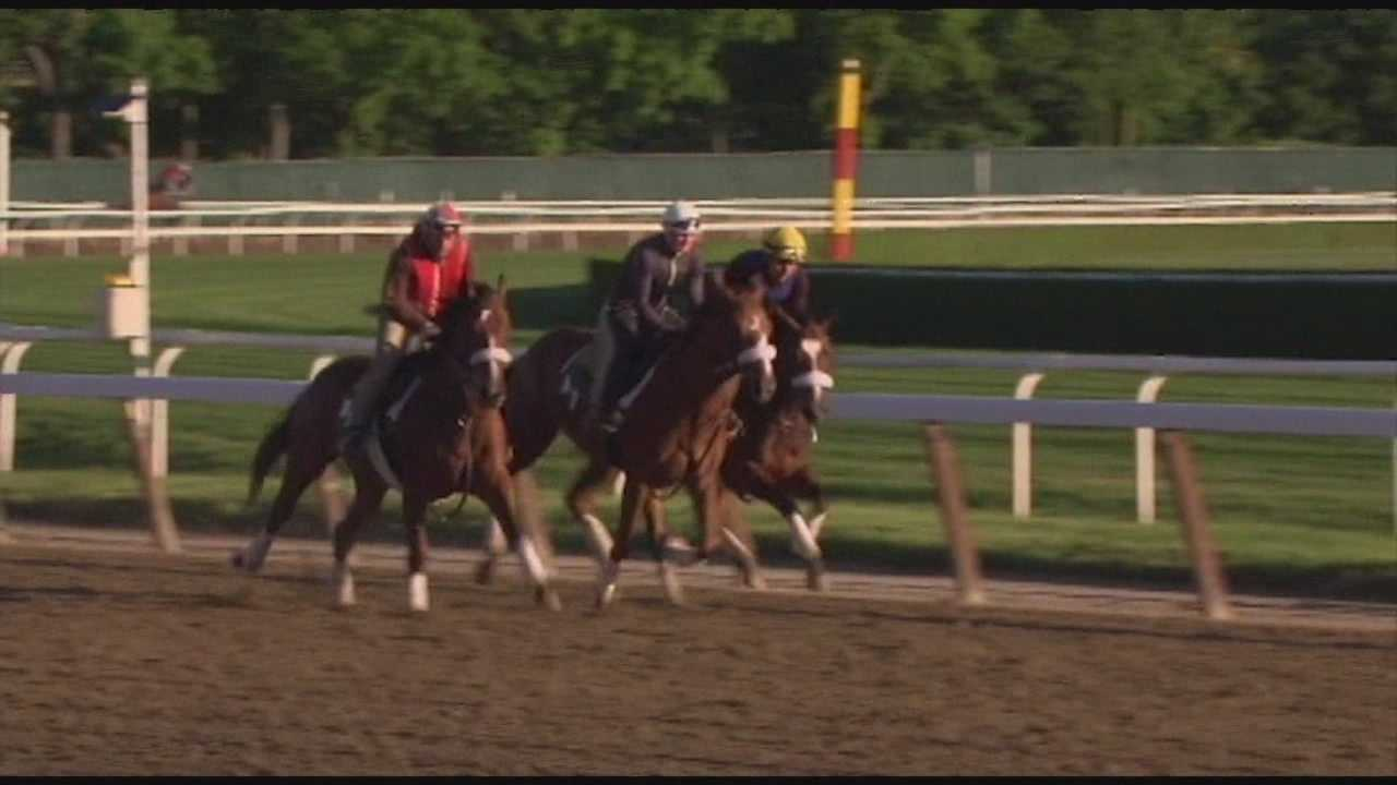 California Chrome impresses in final workout before Belmont