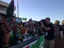 Plenty of fans showed up at Raley Field in West Sacramento for a friendly match between Club Leon FC and Club America as several members of Mexico's 2014 World Cup team took to the pitch. (July 9, 2014)