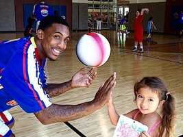 What: Harlem Globetrotters Summer Clinics (Downtown)Where: 24 Hour FitnessWhen: Fri-Sun 9am, 12:30pm & 3:30pmClick here for more information about this event.