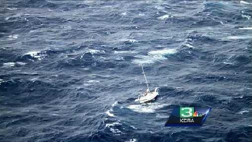Sailboat stranded  in Hawaii