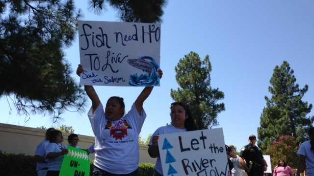 Klamath protesters