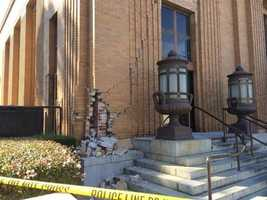 Sunday's earthquake damages the Napa Post Office. The cracks continue through much of the building. (Aug. 24, 2014)