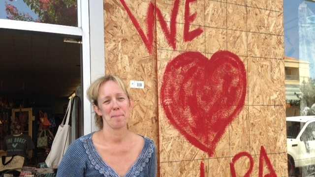 Lots of people still visited Napa stores after the quake to buy merchandise and even help store owners clean up. (Aug. 25, 2014)