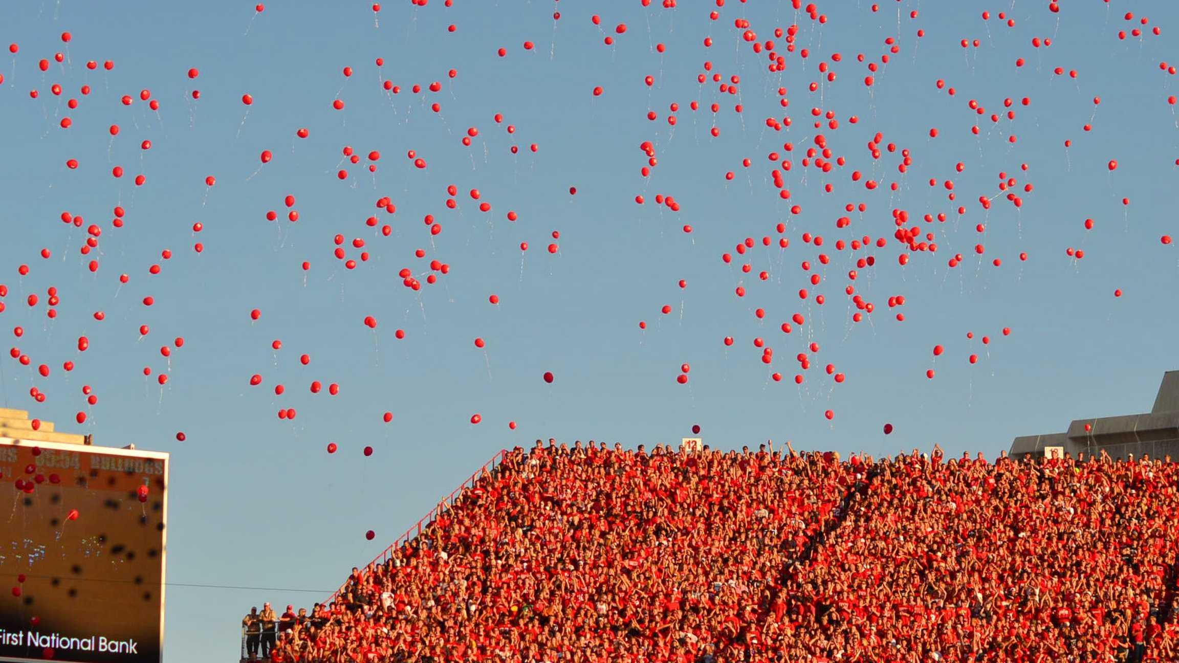 Husker Balloons
