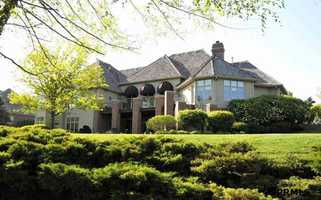 This 3-bed, 4-bath Linden Estates home, built in 1997, is listed at $1.79 million. See original listing on REALTOR.com.