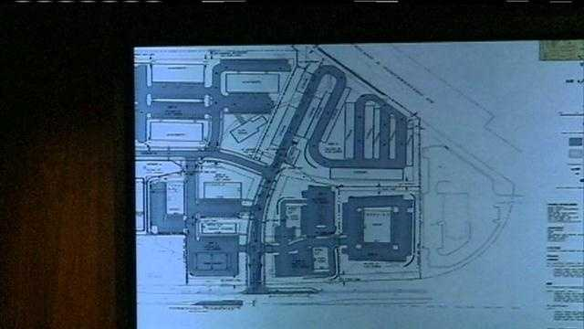 Residents oppose proposed apartment complex