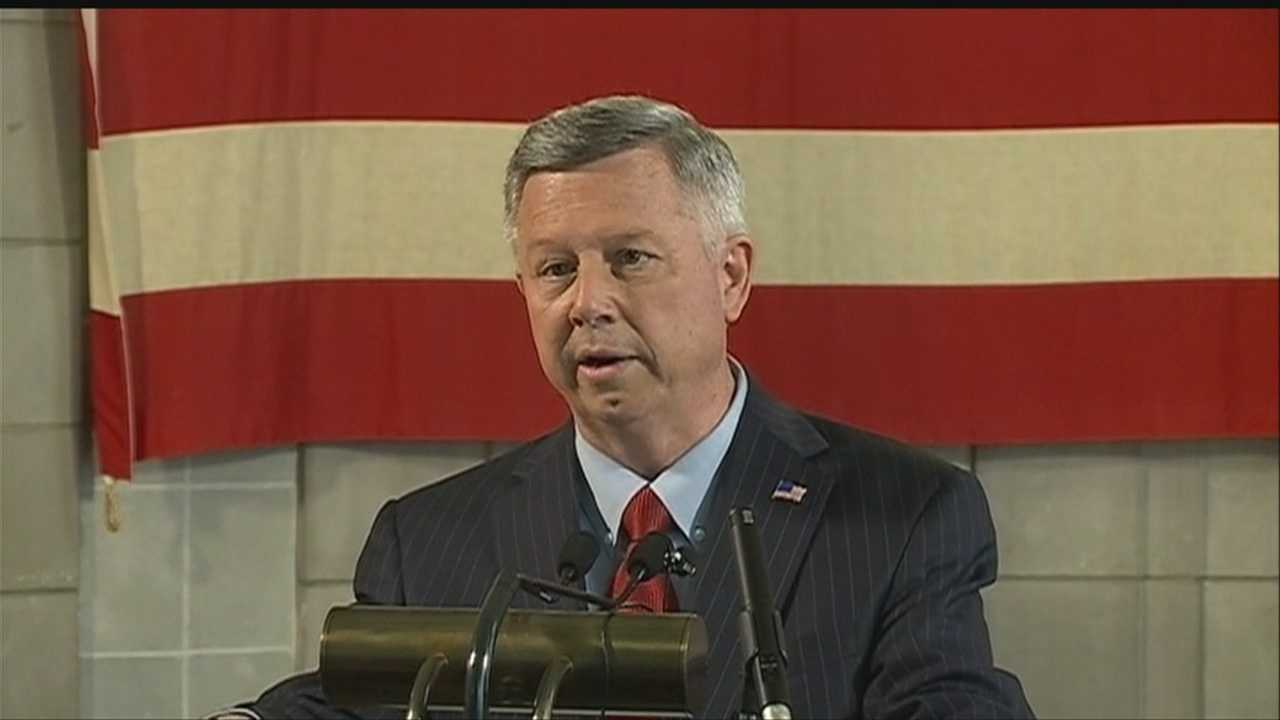 Heineman signs 3 Neb. tax cut measures into law