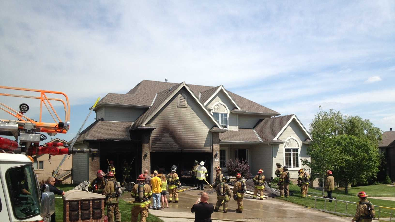 Fire breaks out in west Omaha home