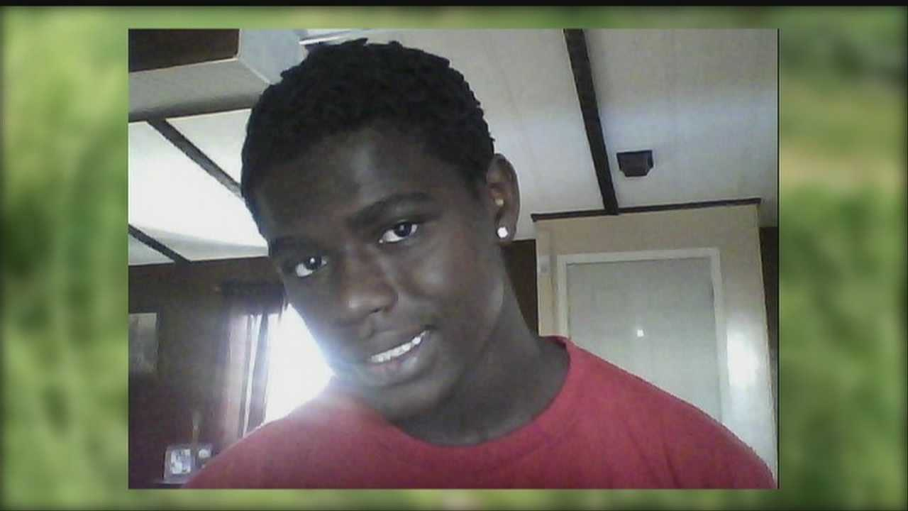 Teen dies in fatal crash