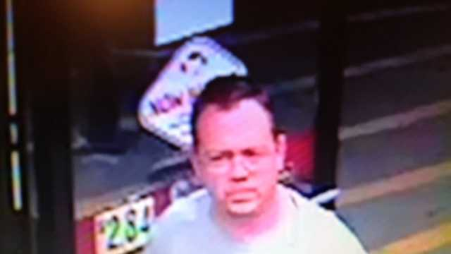 CREDIT CARD THEFT - suspect image
