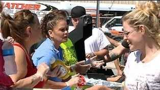 Hot dog feed helps the homeless