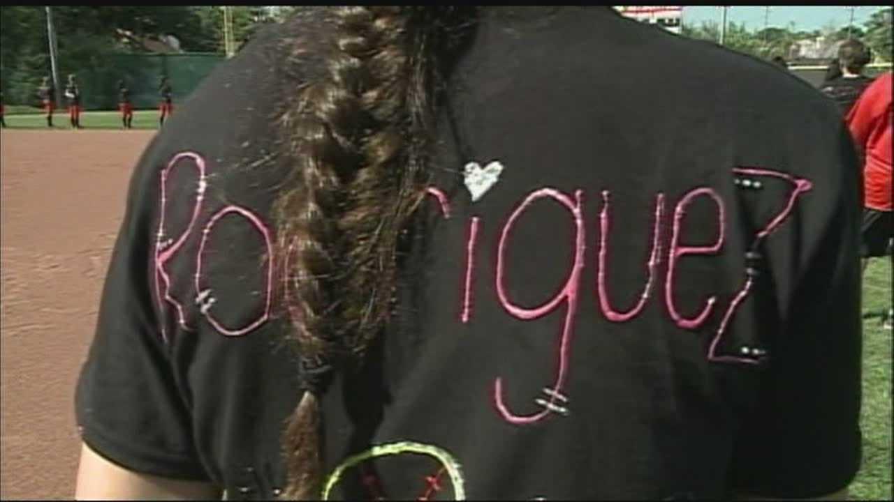 Omaha South honors former teammate killed