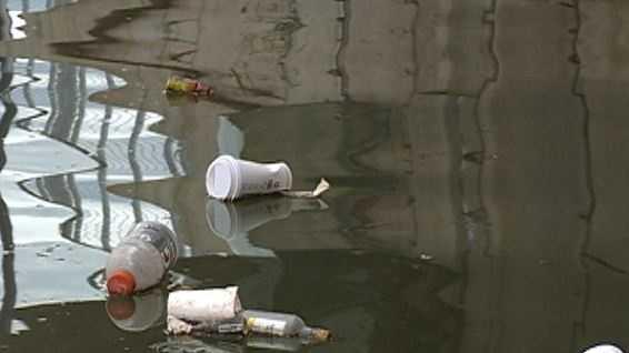 Missouri River trash