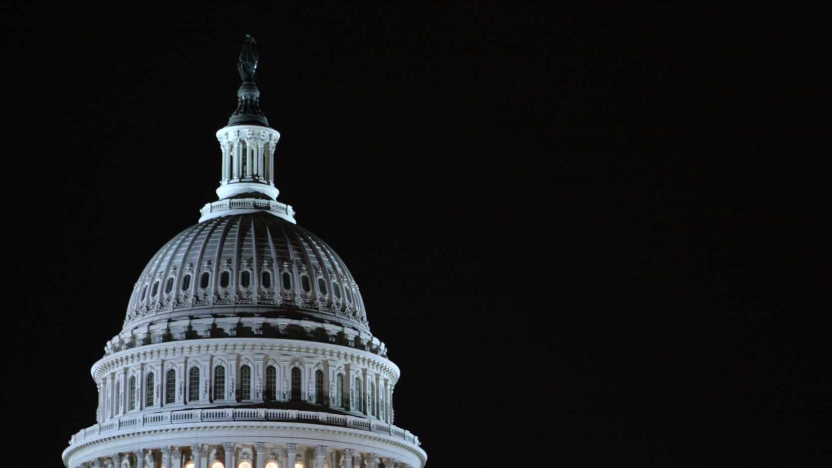 night - US capitol building.jpg