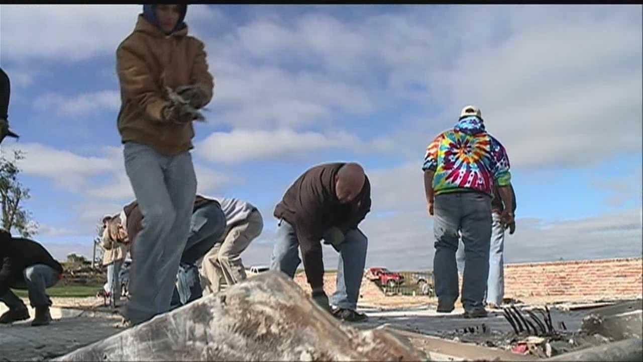 Volunteers flock to Wayne, Nebraska to help clean up