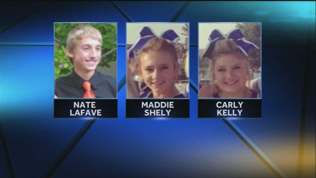 Marian students honor victims of deadly crash