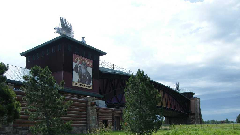 archway-monument-nebraska-kearney.jpg