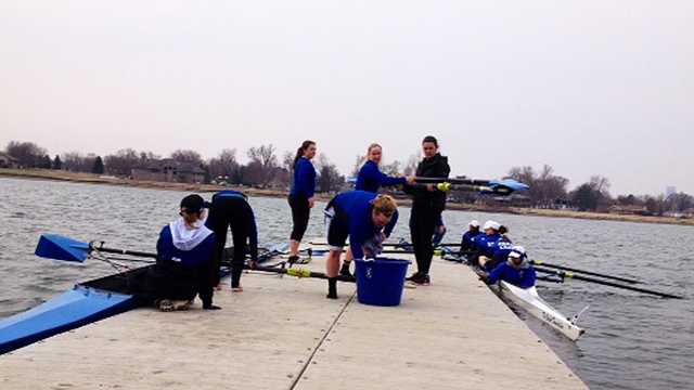 Carter Lake hosts rowing competition