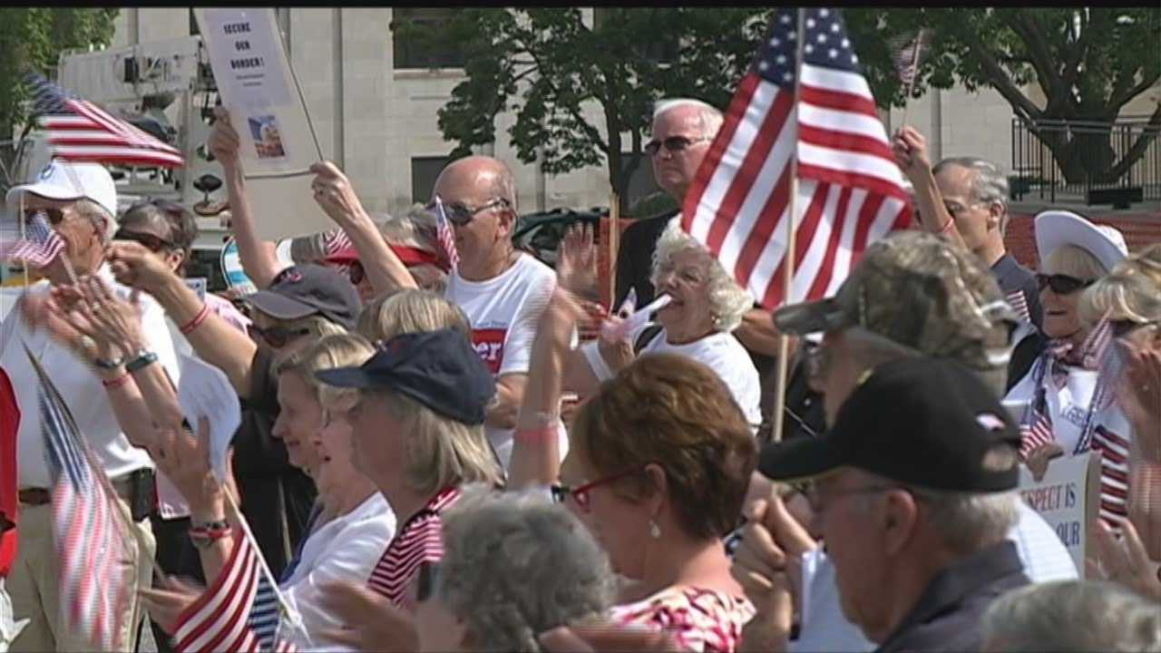 Immigration debate heats up with Lincoln rallies