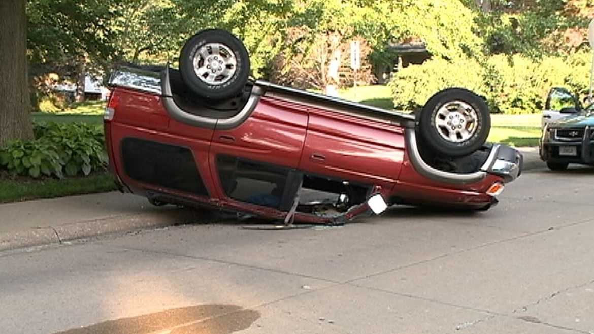 rollover - 85-woolworth.JPG