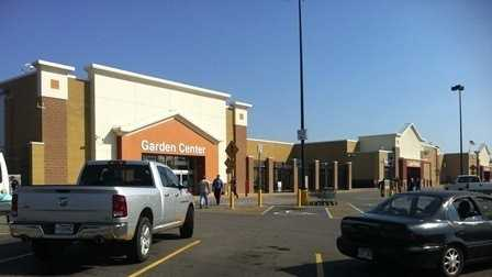 FS Walmart evacuated 1.JPG
