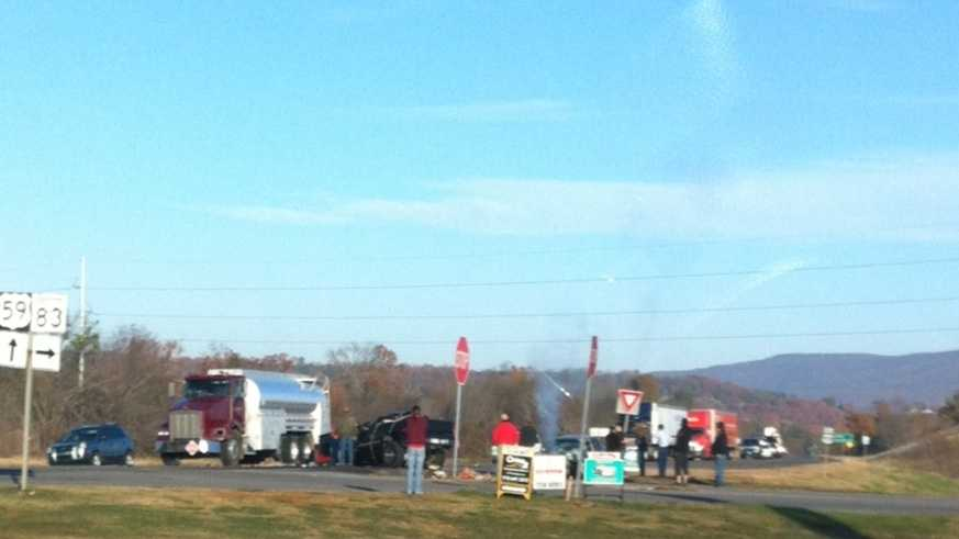 Wreck Thursday morning poteau and howe.jpg