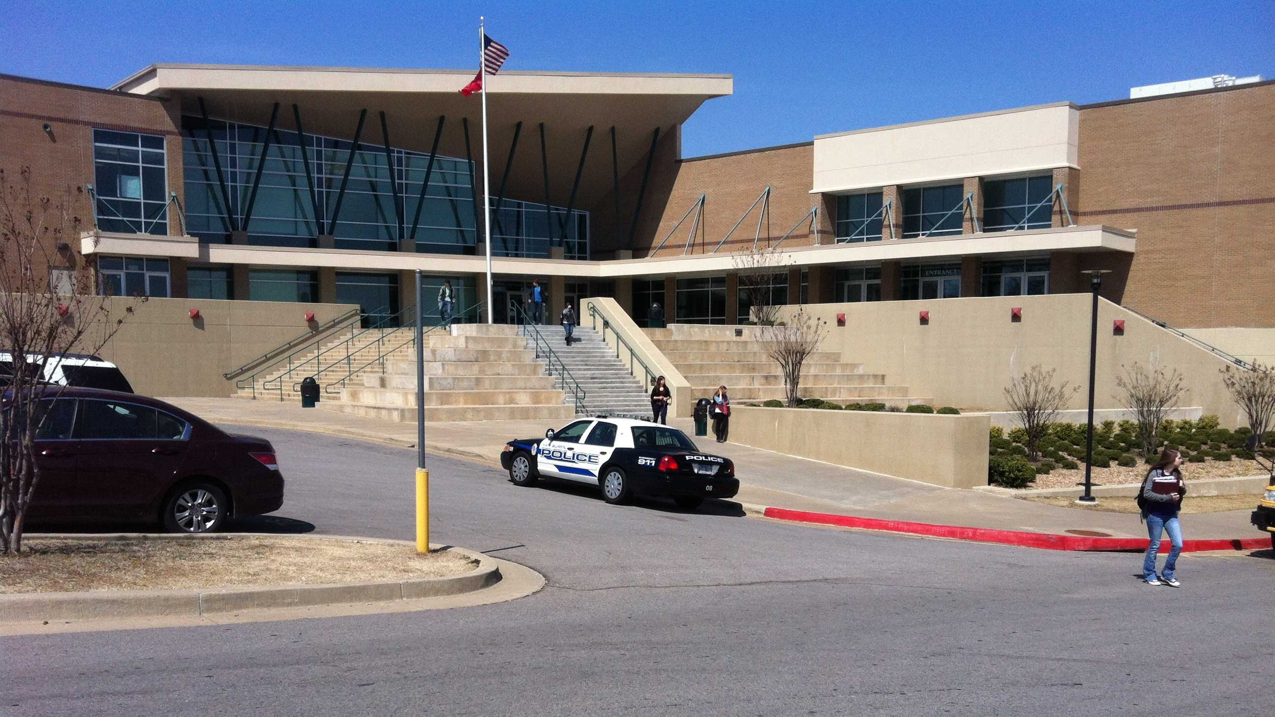 Van Buren High School evacuted