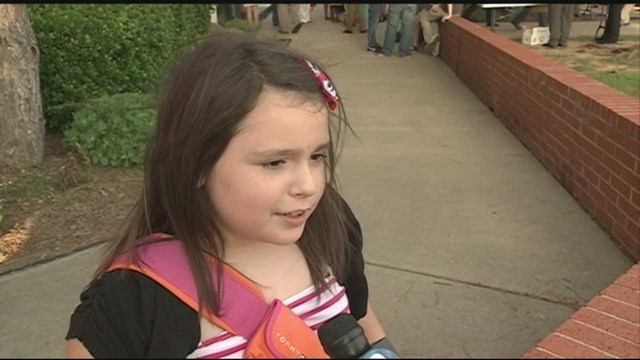 Moore 3rd-grader attends memorial service for friends lost in Tornado