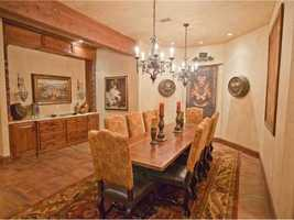 The dining room gives an ancient banquet vibe for all to enjoy.