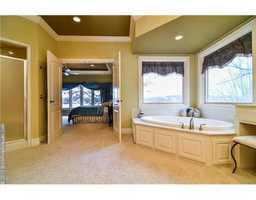Lovely bathroom connected to the guest bedroom.