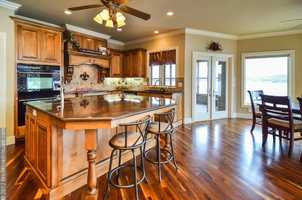 Another view of the perfect kitchen!