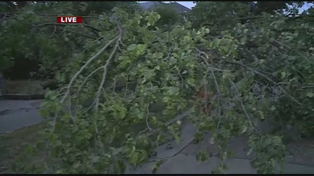 Overnight storms leave hundreds in the River Valley without power
