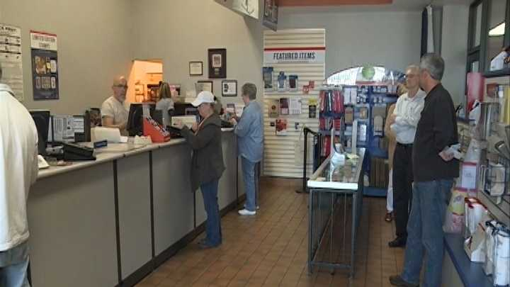 U.S. Post Office provides two options for taxpayers sending taxes at 11th hour
