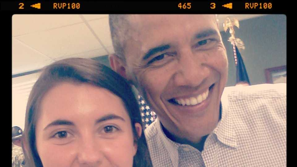 High school volunteer gets selfie with President Barack Obama