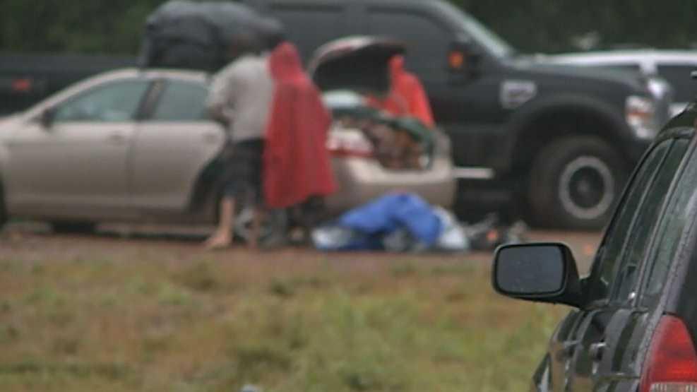 Music fans enjoy final hours of Wakarusa despite rain