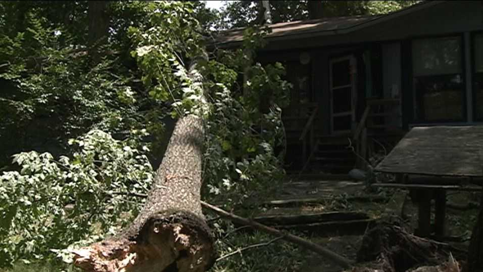 Cleanup begins after Wednesday storm in northwest Arkansas