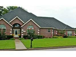 8739 Crest Ln., Springdale, AR
