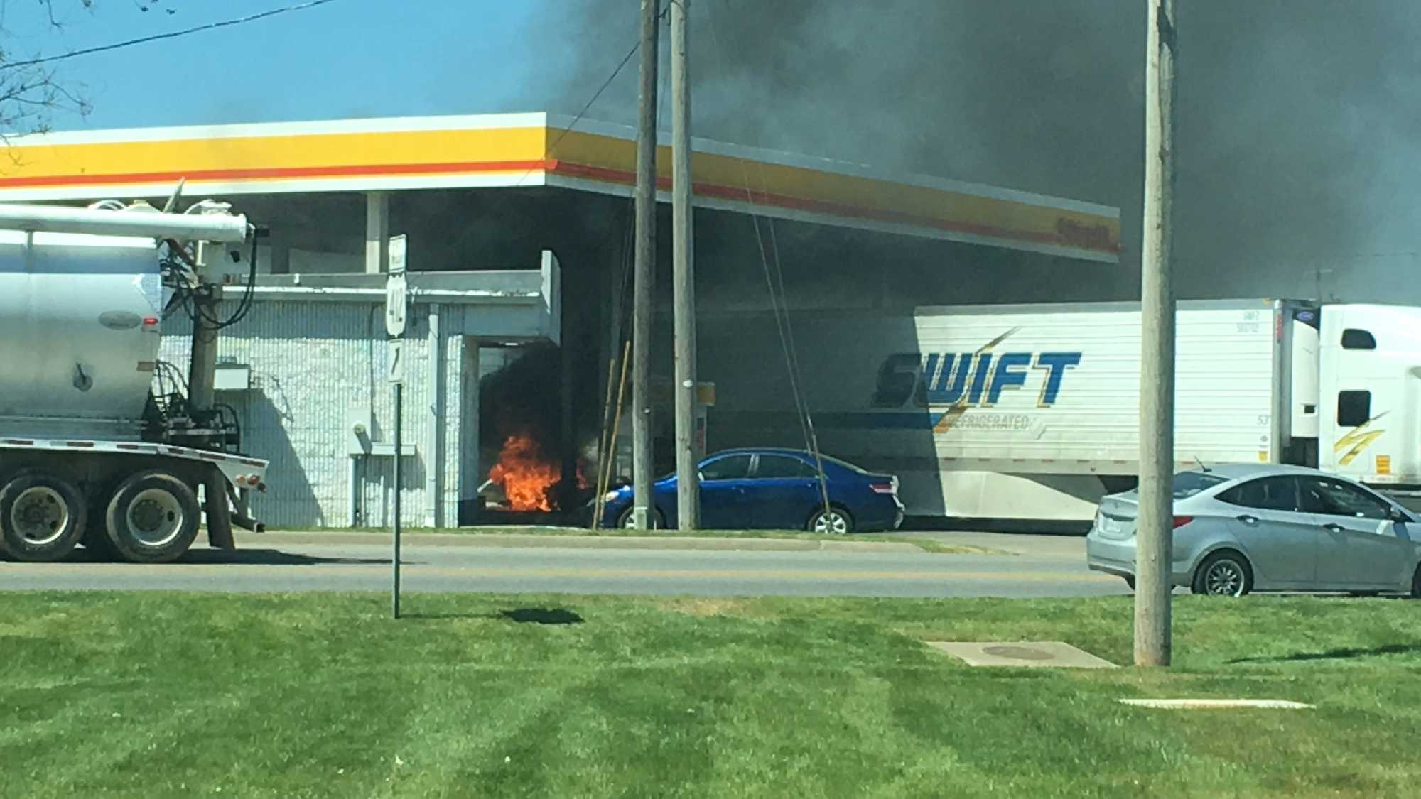 gas station fire pic