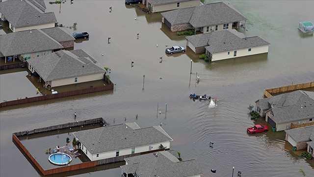 University of Arkansas students host drive for flood victims