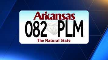 The car in question has this license plate: 082 PLM