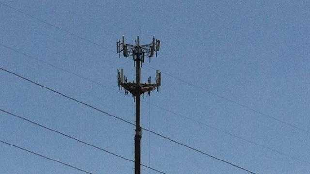 Cell tower near I-435 - 28037395