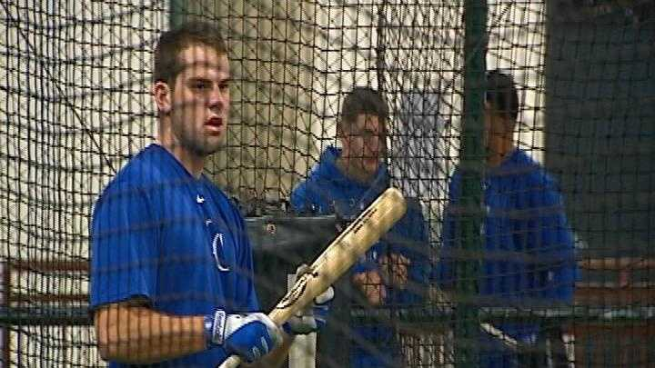Mike Moustakas - 26626058